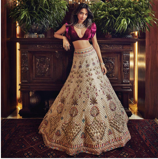 Timeless Indian Fashion Looks in Bollywood