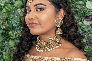 || PARI || Choker Necklace with Earrings & Tikka and White Pearls