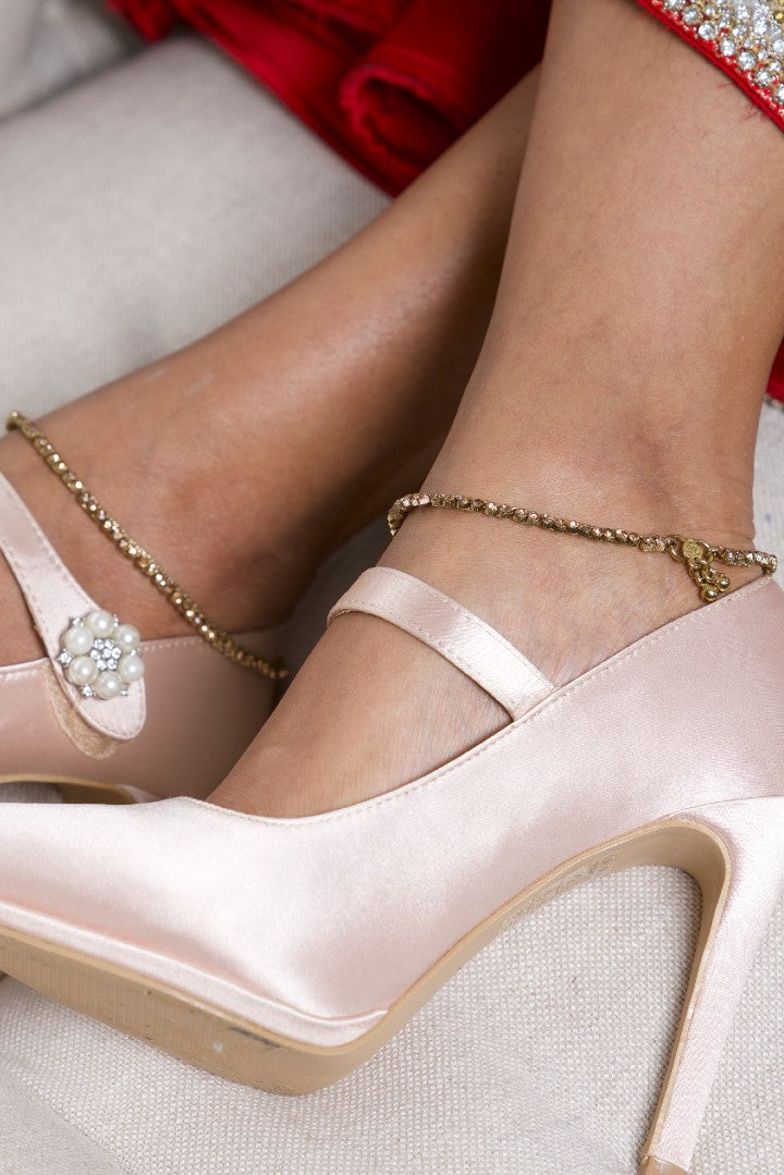 Fine Gold Anklets with Champagne Stone