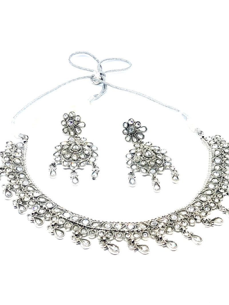 || SITARA || Flat Lightweight Silver Round Necklace with Earrings