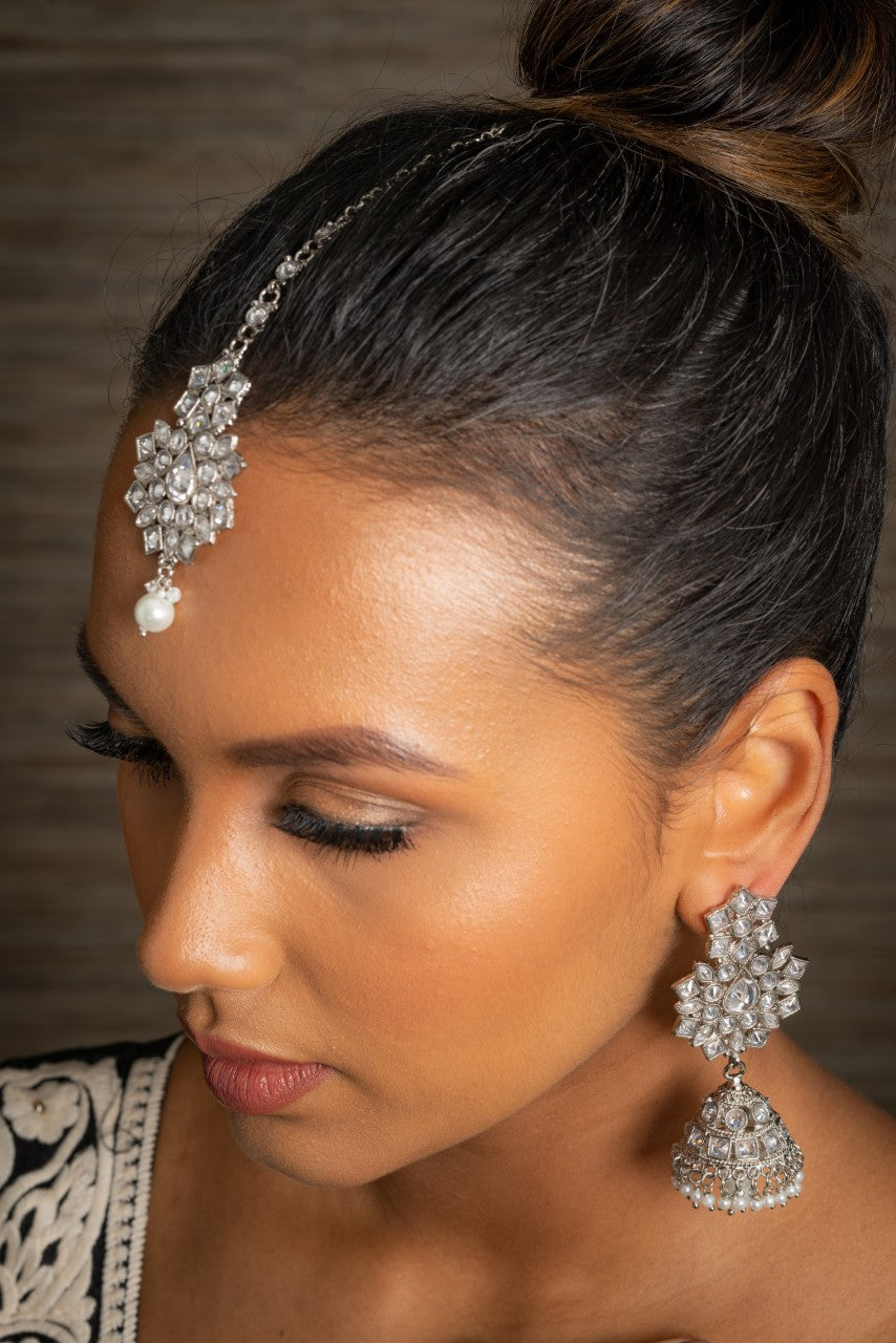 || CHAIYA 2 || Silver Tikka with Earrings with White Stones