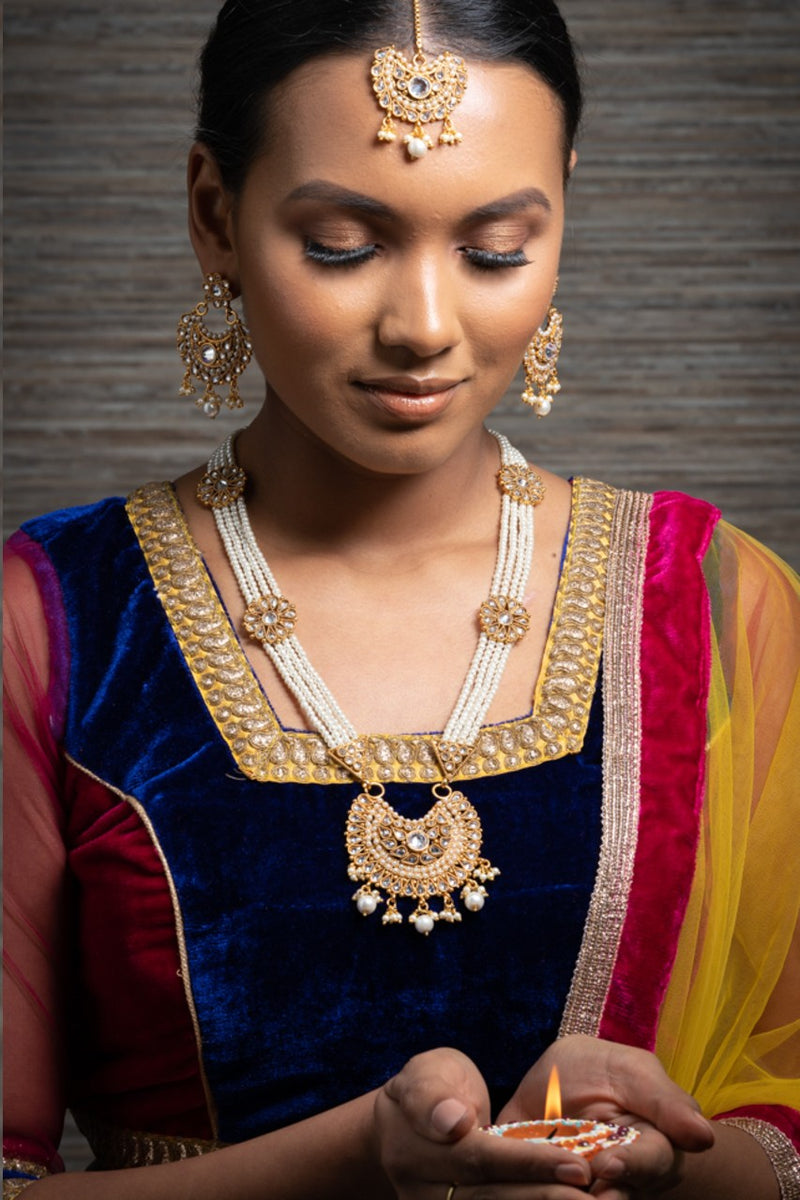 || VITI || Indian Long Necklace with Earrings & Tikka