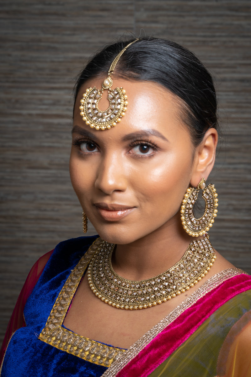 || PRIYA || Round Gold Indian Necklace, Earrings & Tikka