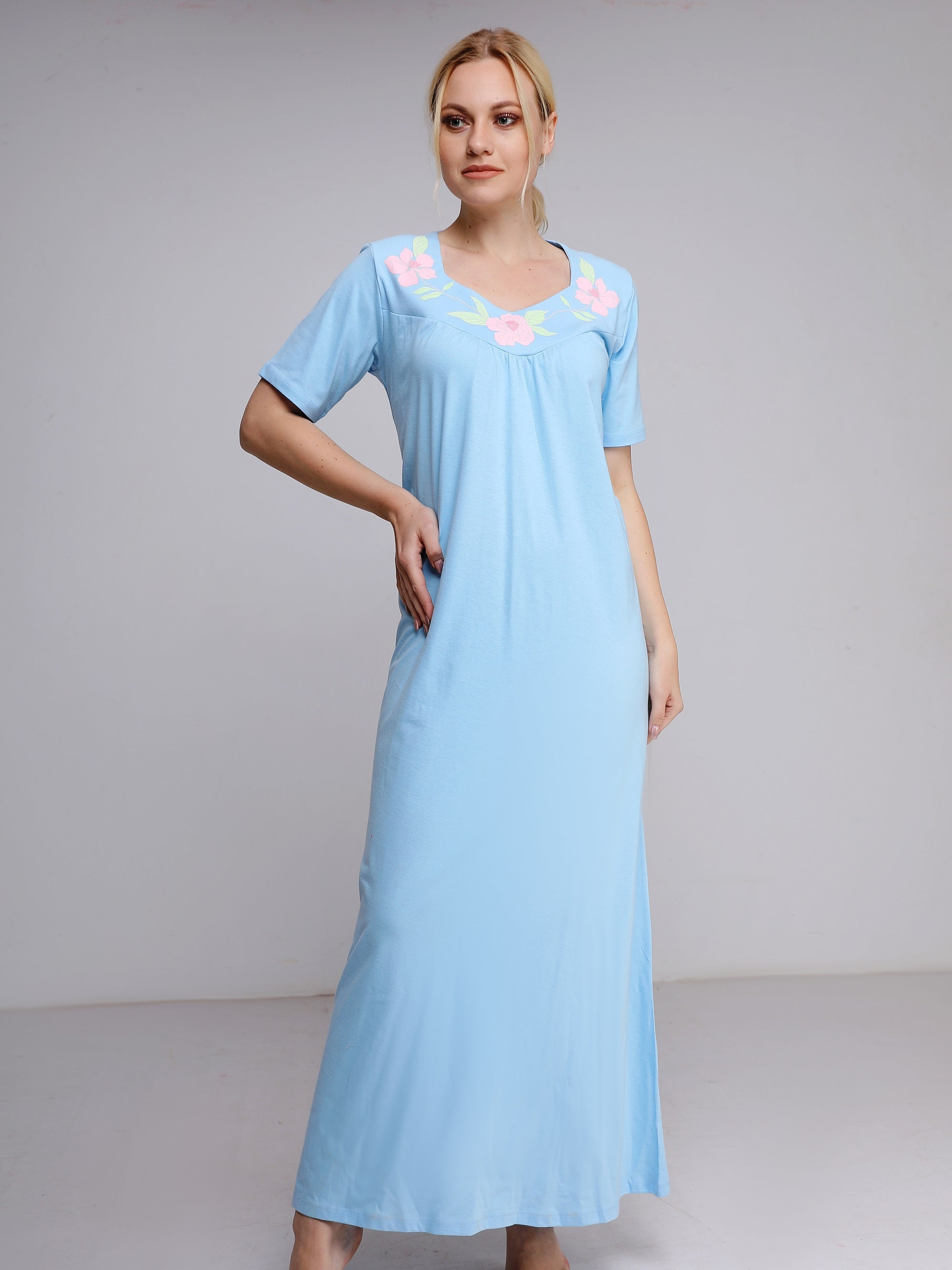 Chic Nightgown with 3 Flowers