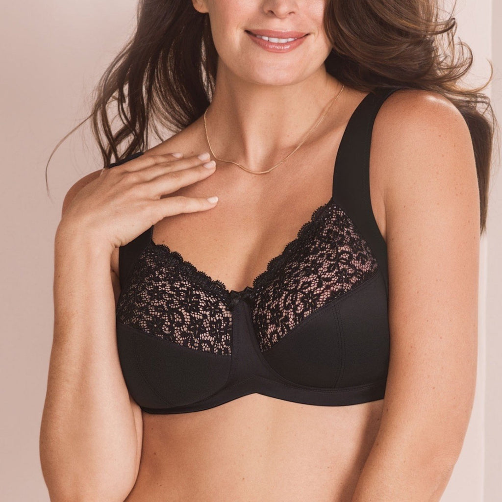 Soft cup bra without underwire takes the weight off your shoulders and helps to spread it evenly. The wide and soft cushioned straps prevent from cutting in and lay comfortably on your shoulders.