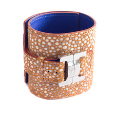 Salomé Lambskin Pebbles Coral Wide Cuff