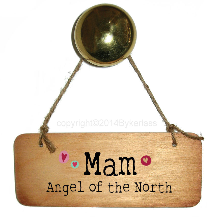 Geordie Mugs Mothers day wooden heart. Handmade in Newcastle, contains illustrations of Angel of the North & the Tyne Bridge