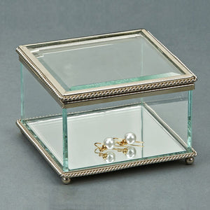 Square Glass Box w/Hindged Cover 3.75""