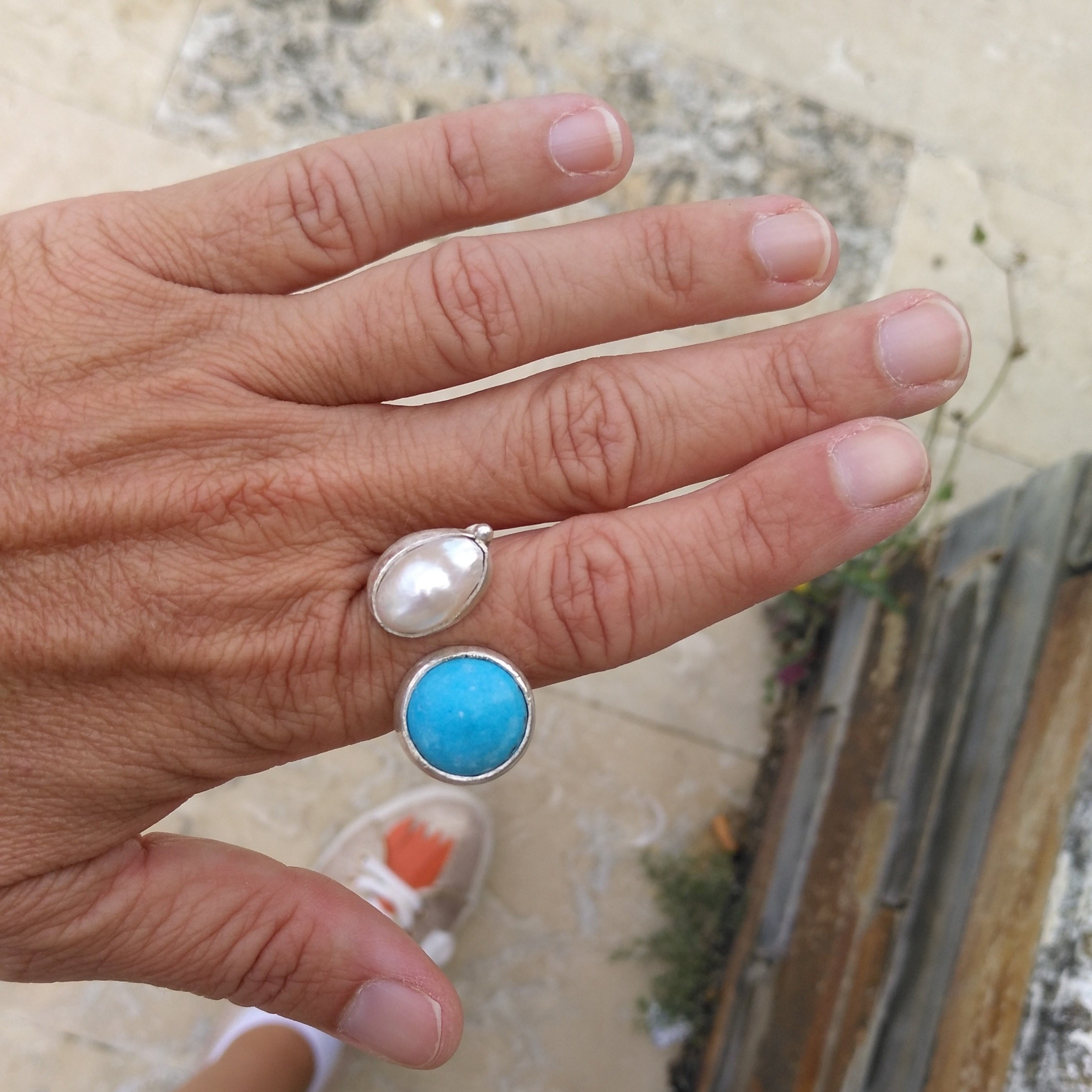 Silver ring with turquoise and pearl