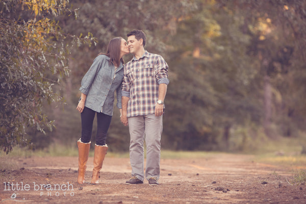 7 Tips for better engagement pictures // Engagement Photography Ideas // Couples Poses // Click for tips...