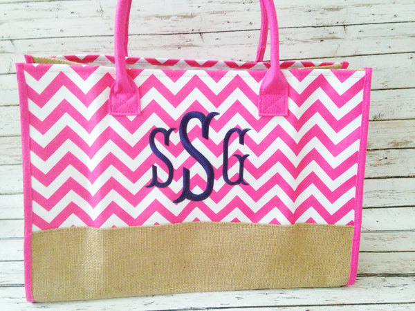 bridesmaid gift ideas / monogrammed tote / pink chevron bag / click to shop