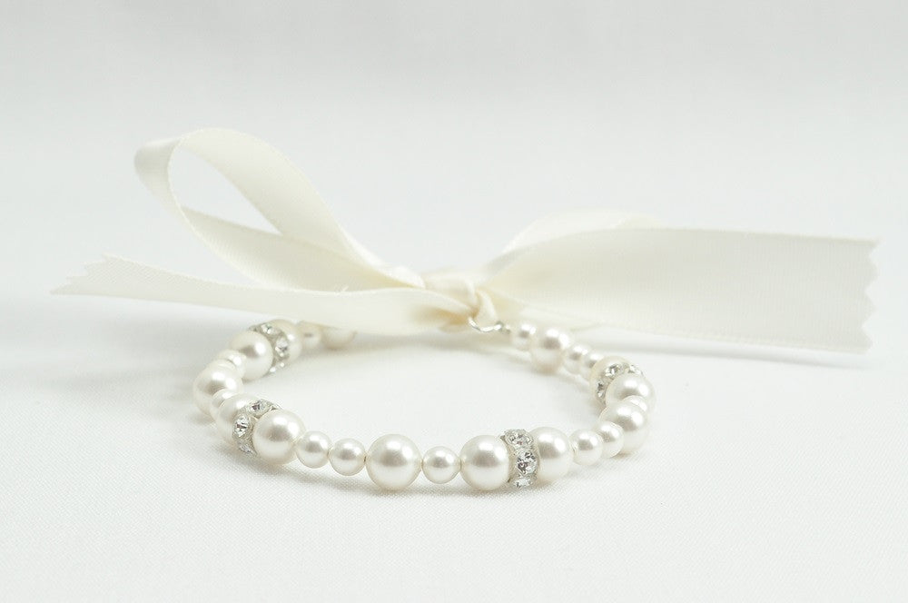 Adorable Flower Girl Jewelry Using Pearls And Crystals