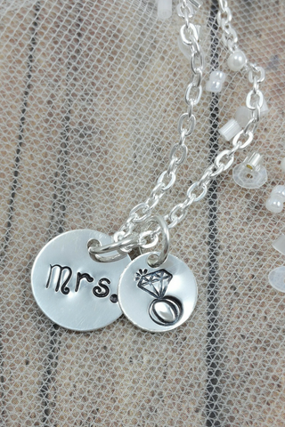 Mrs Necklace / Gift For the Bride / Bridal Shower Gift / Wedding Gift