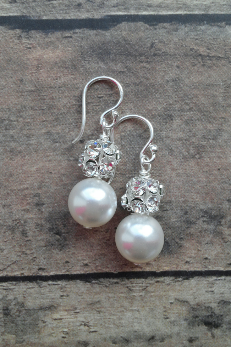 Samantha Earrings // Pearl Dangle Earrings / Pearl Bride Earrings / Pearl Bridal Earrings