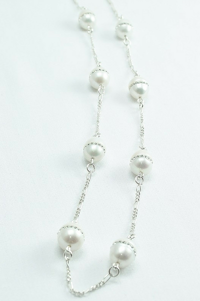 Kim necklace: Long freshwater pearl necklace