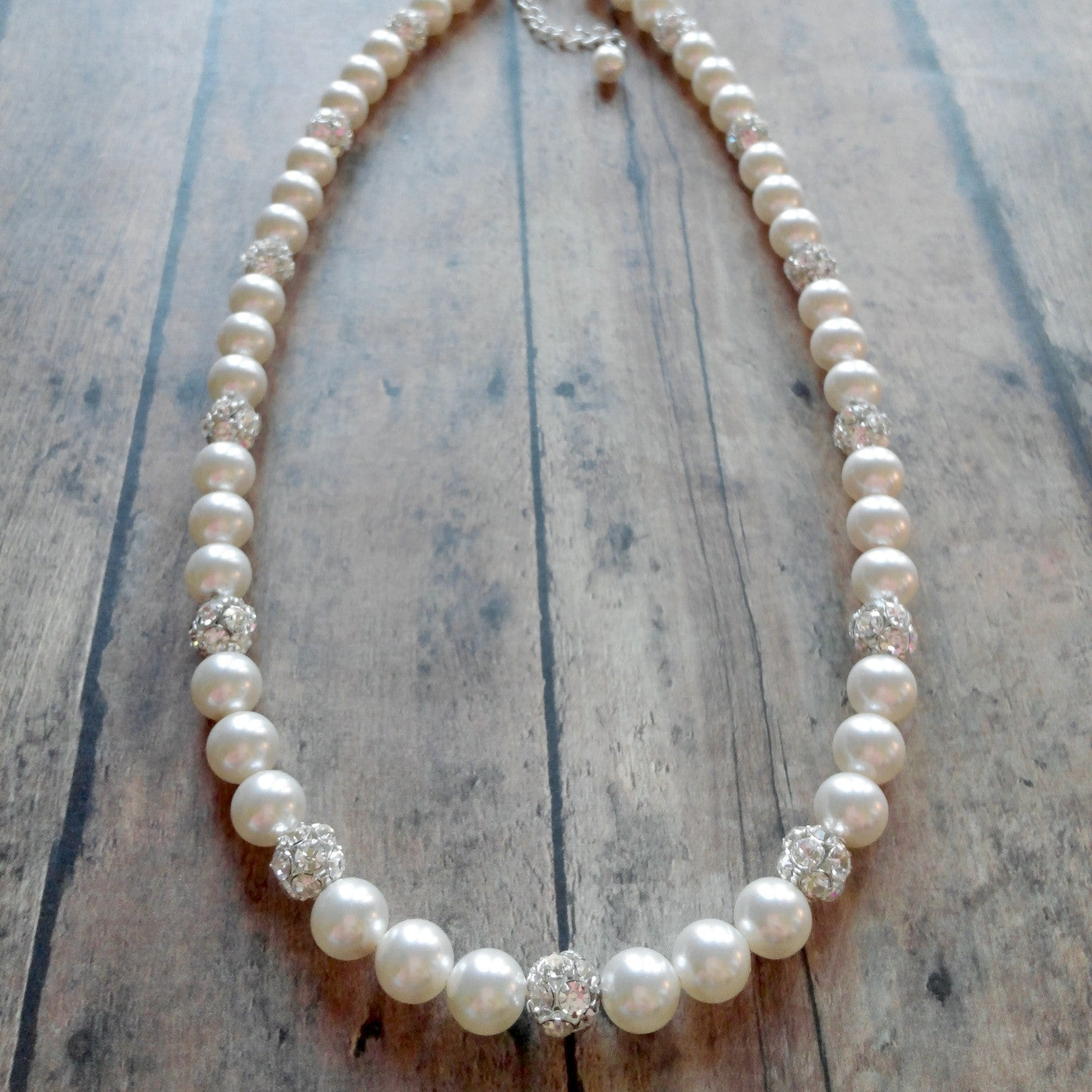 Single Strand Pearl and Rhinestone Necklace For Weddings