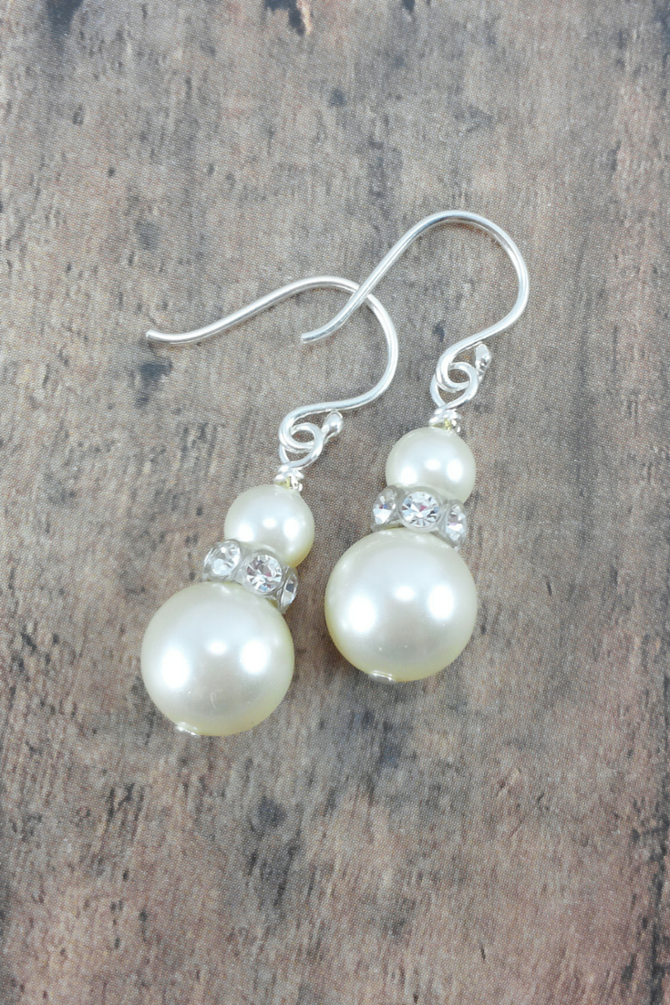 Ashley Earrings // Pearl bride earrings / Pearl Dangle Earrings / Bride Pearl Earrings