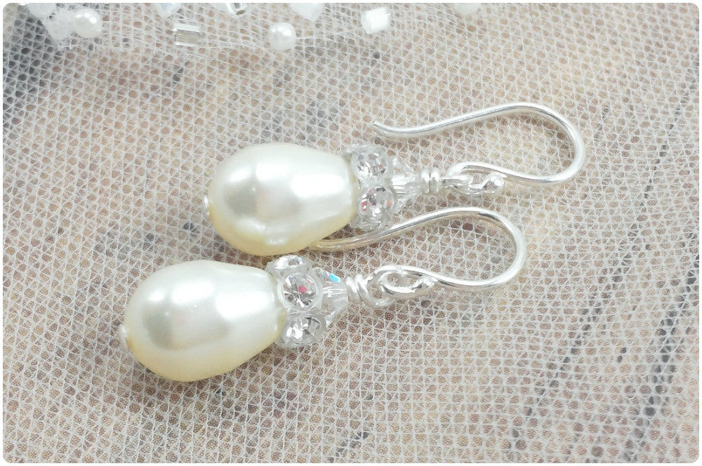 Nora Earrings // Pearl Bride Earrings / Pearl Bridal Earrings / Bridal Teardrop Earring