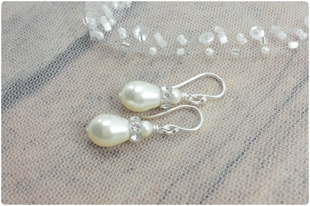 Nora Earrings // Teardrop Pearl Earrings / Pearl Bridal Jewelry / Pearl Bride Earrings