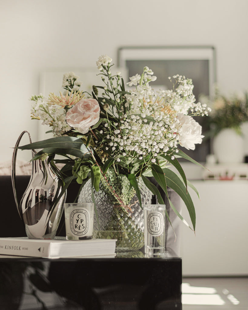 modern interior design flowers in a vase