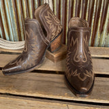 The Dixon {distressed brown}