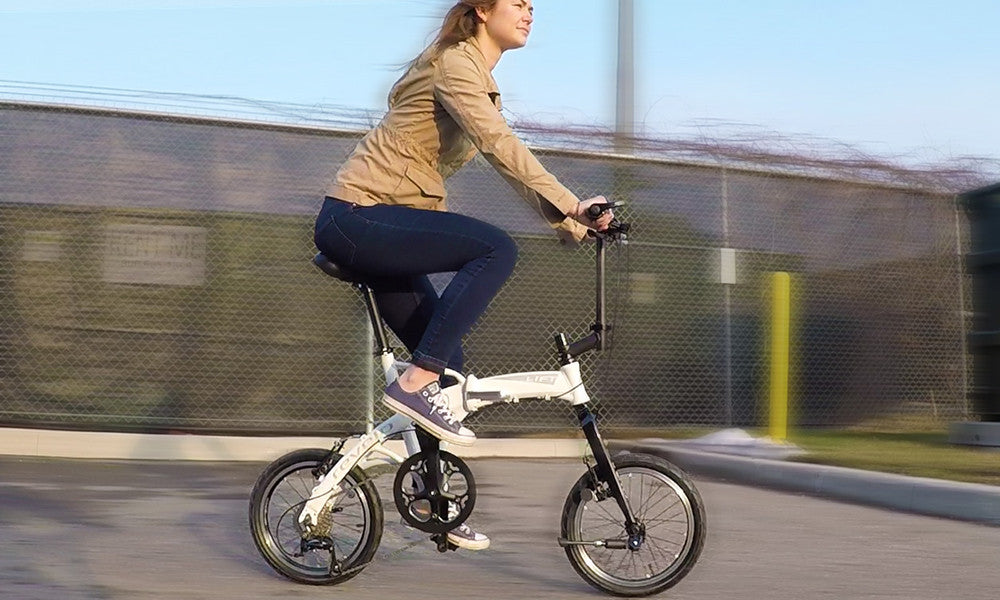Revelo LIFT performance folding bike rider position