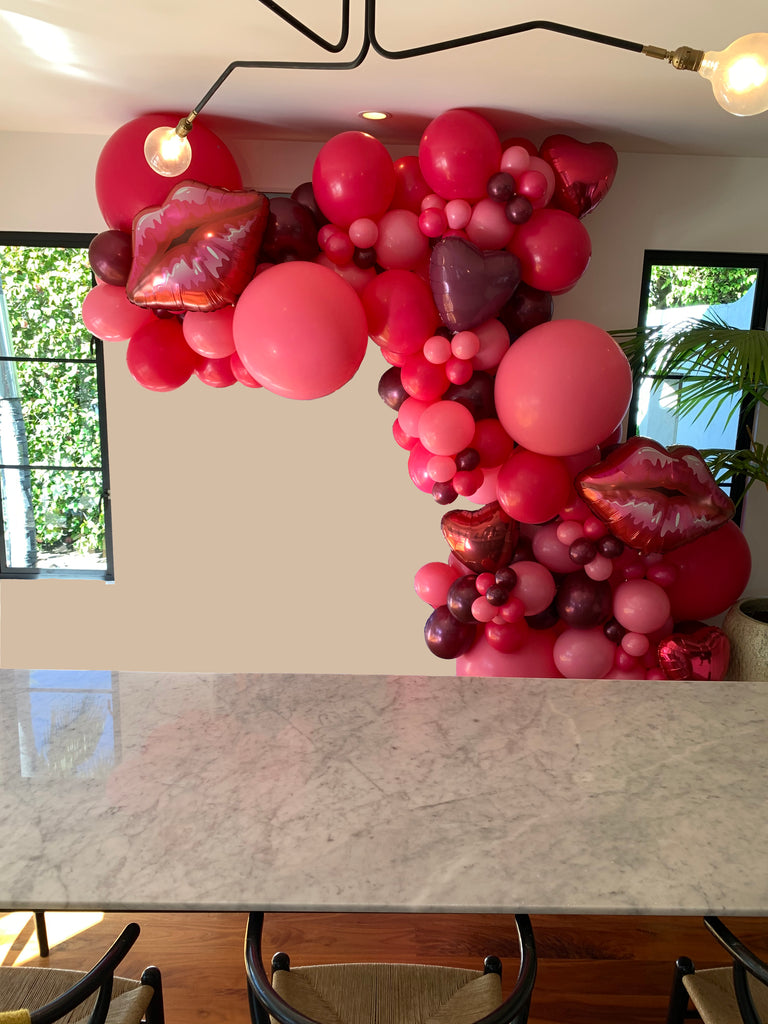 bonjour-fete-valentines-day-balloon-garland-pink-los-angeles