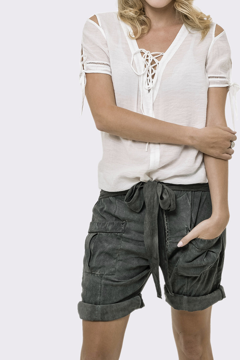 Washed Out Women Sexy Taal Short Pant
