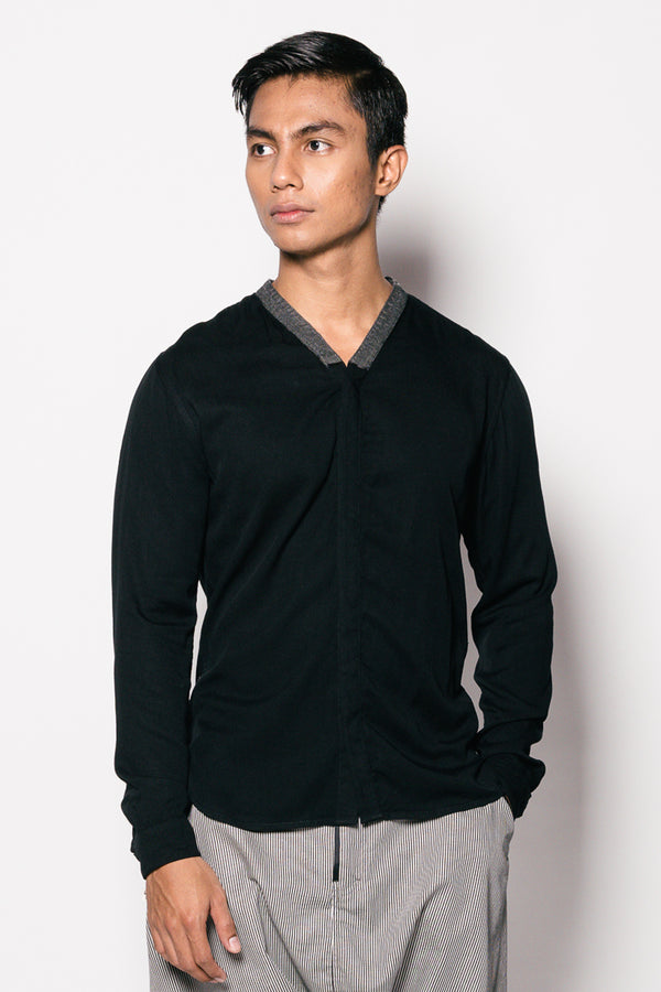 V-neck Biwa Shirt