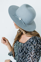 Arrow Hat in Grey