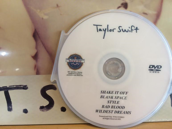 Taylor Swift (1989 DVD The Music Videos)