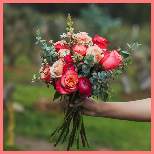 Order The Shirley flower bouquet from our Spring Collection. The Shirley bouquet includes mixed stems of eucalyptus, roses, ranunculus, snapdragons, limonium. The flowers will be shipped directly from the farm to you!