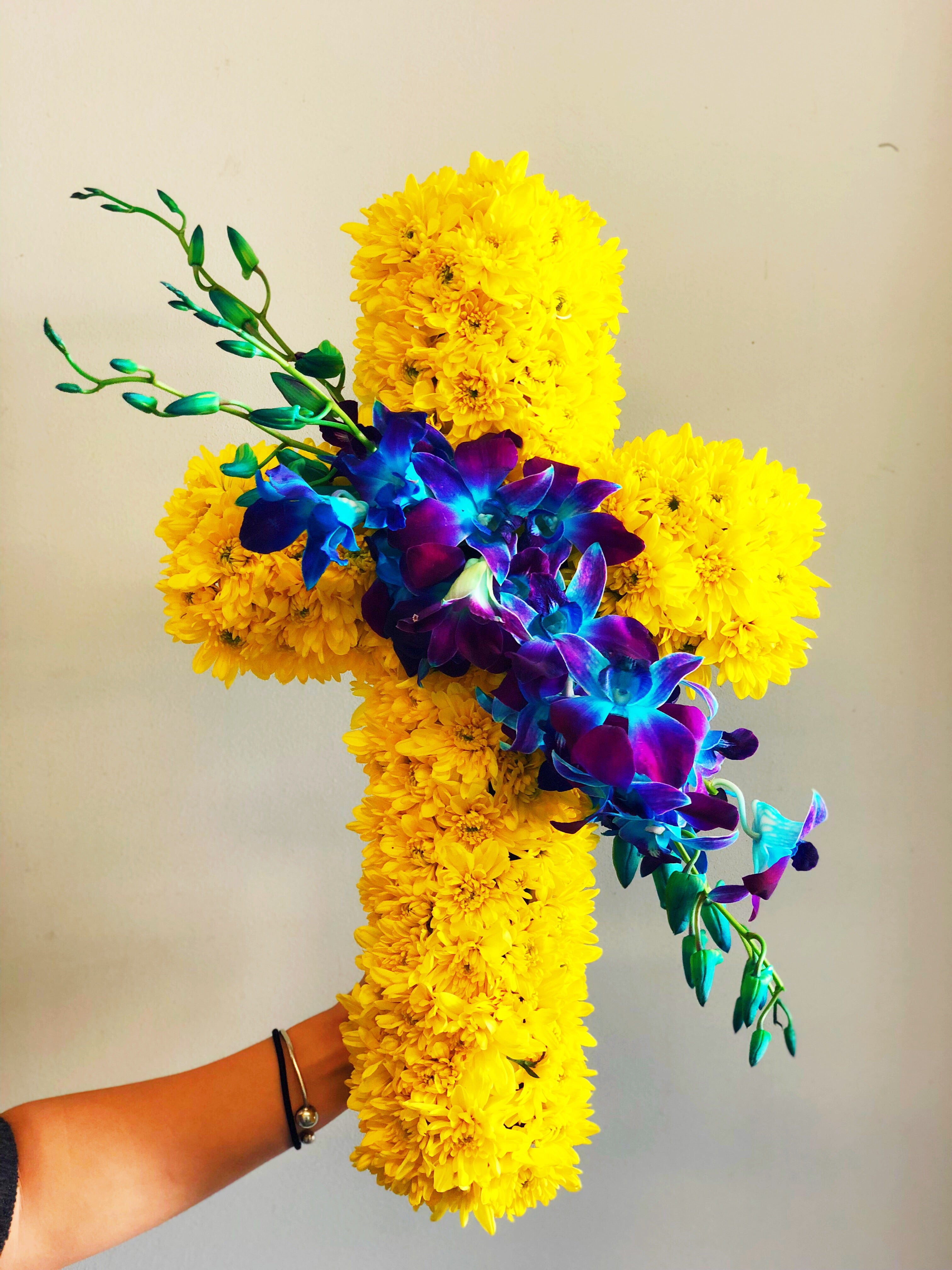 The Little Market Bunch Funeral Sympathy White Yellow Flower Cross