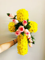 The little market bunch Funeral Sympathy White / Yellow Flower Cross