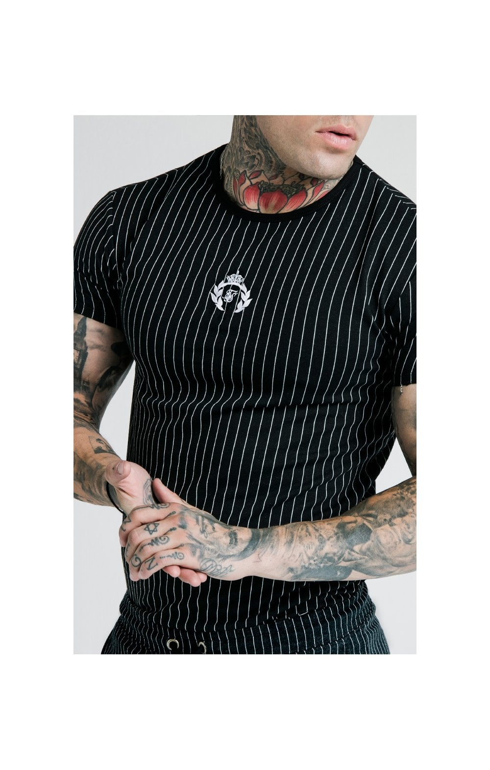 SikSilk X Dani Alves Trainings-T-Shirt Abgerundeter Saum - Schwarzweiss (5)