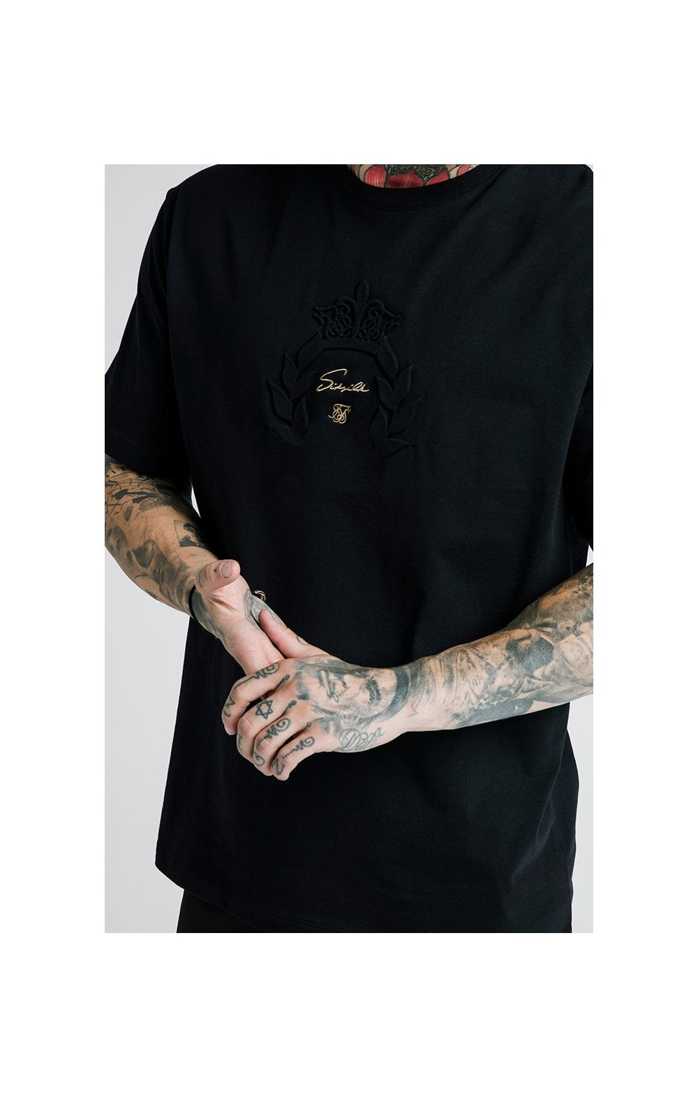 Laden Sie das Bild in den Galerie-Viewer, SikSilk X Dani Alves Luxus T-Shirt Kurzarm - Schwarz (1)