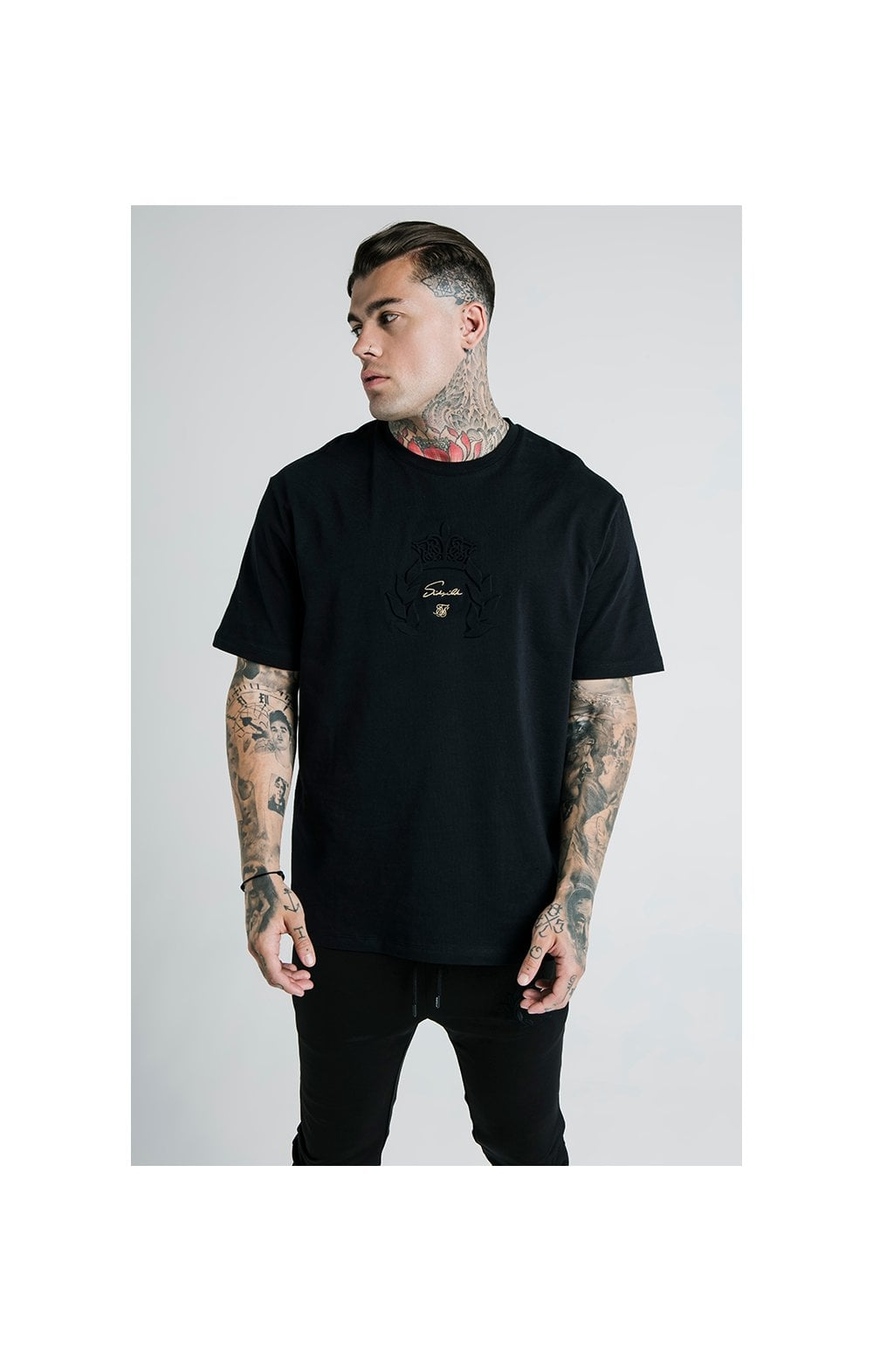 Laden Sie das Bild in den Galerie-Viewer, SikSilk X Dani Alves Luxus T-Shirt Kurzarm - Schwarz (2)