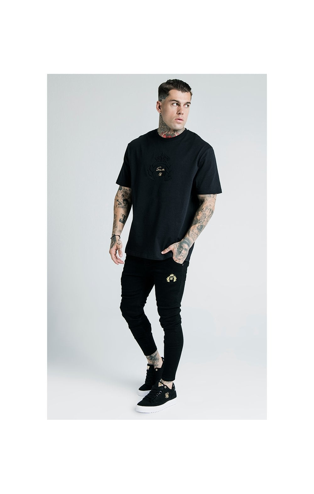 Laden Sie das Bild in den Galerie-Viewer, SikSilk X Dani Alves Luxus T-Shirt Kurzarm - Schwarz (4)