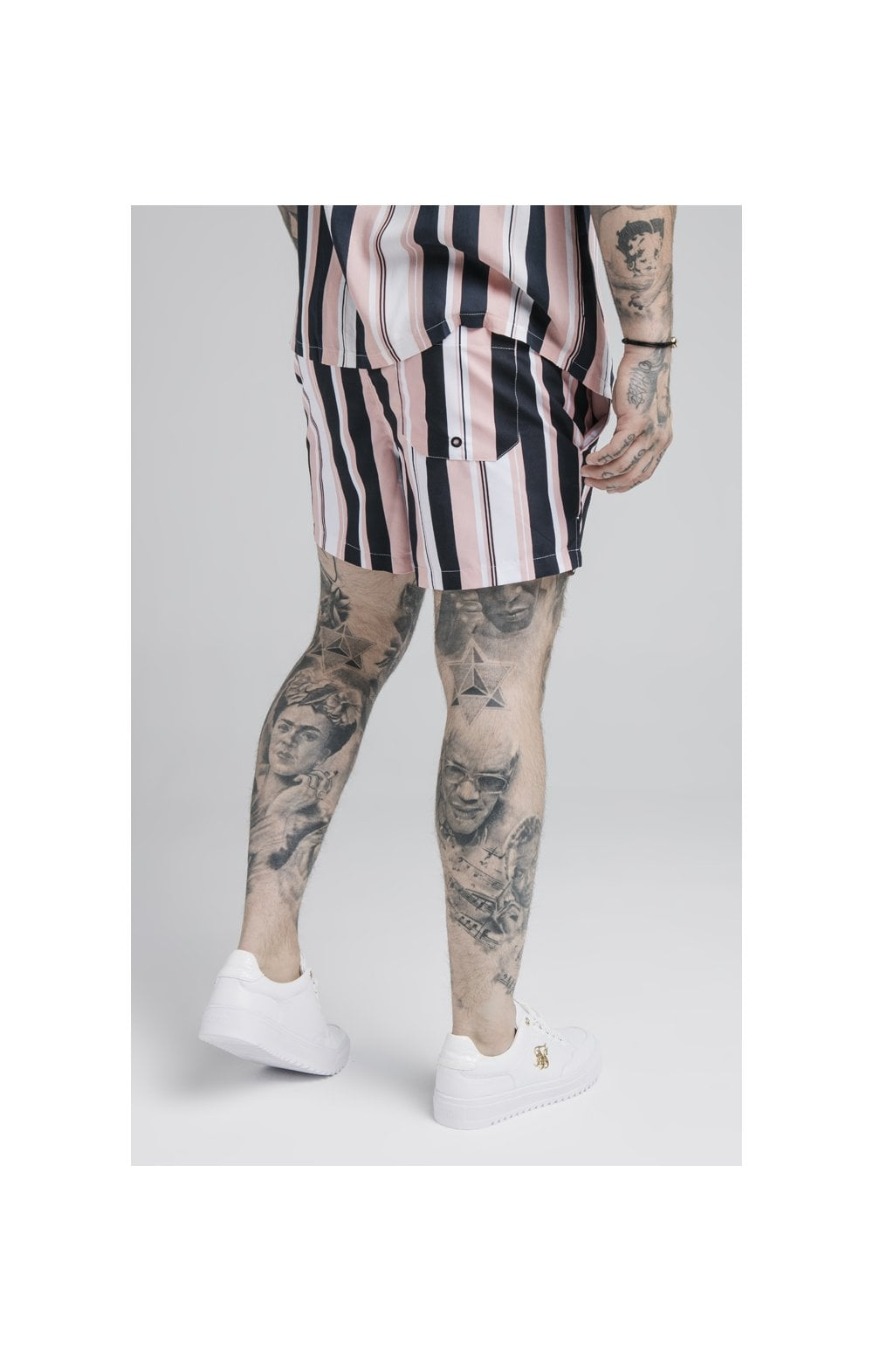 Laden Sie das Bild in den Galerie-Viewer, SikSilk Standard Swim Shorts – Navy, Pink & White (5)