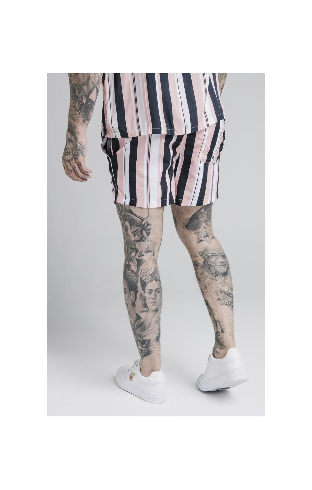 Laden Sie das Bild in den Galerie-Viewer, SikSilk Standard Swim Shorts – Navy, Pink & White (6)