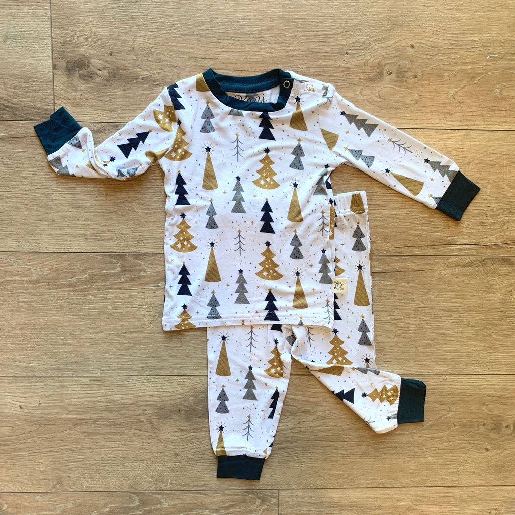 Kozi & Co - Holiday Collection - Pajama Set - Silver & Gold Trees
