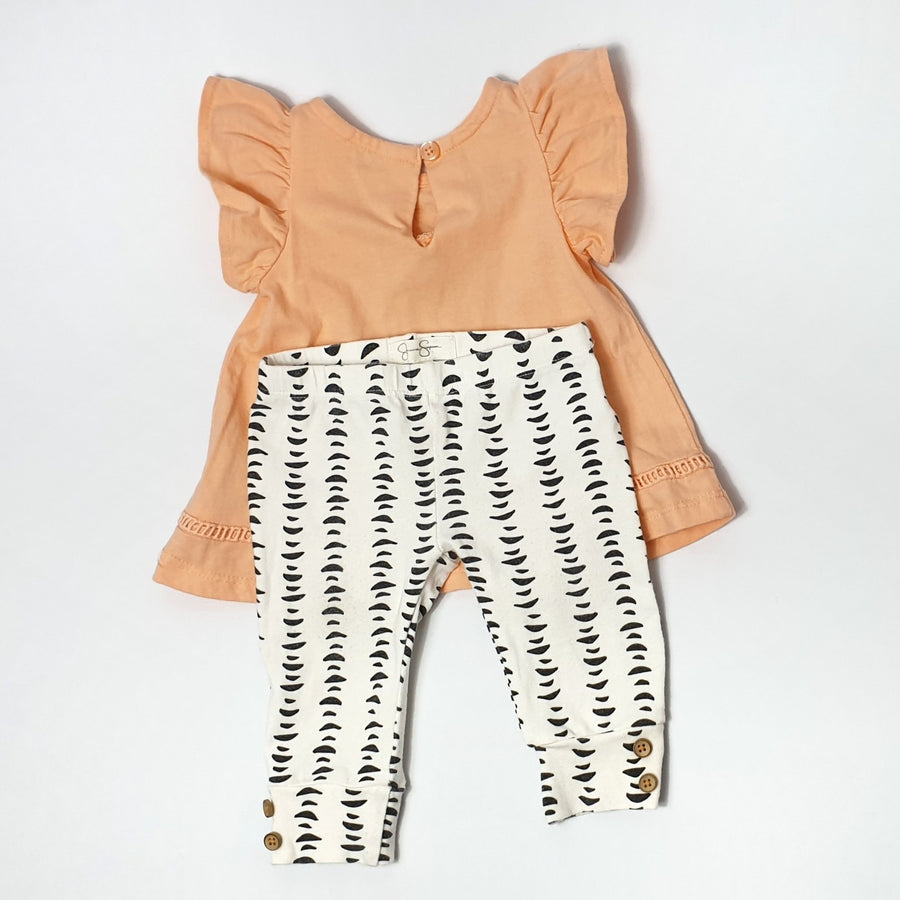 2-Piece outfit with elegant prints 3-6M (Pre-loved)
