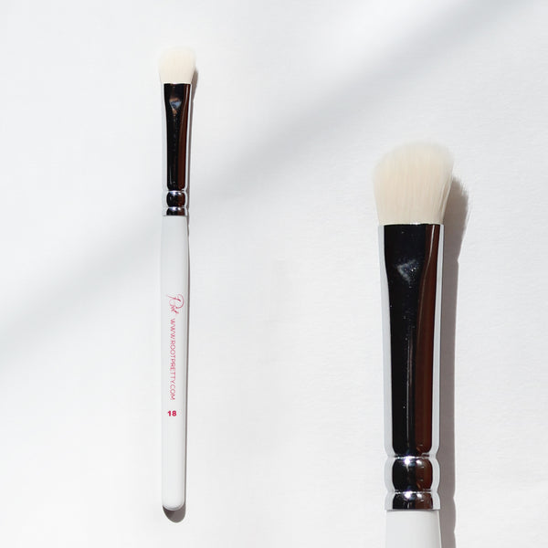 Root #18 Angled Eyeshadow Brush