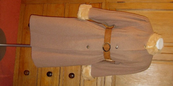Vintage camel coat with fur collar