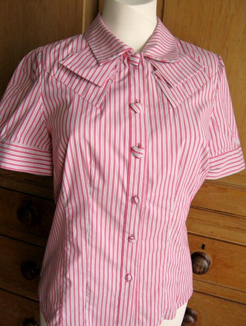 heart button bstriped blouse