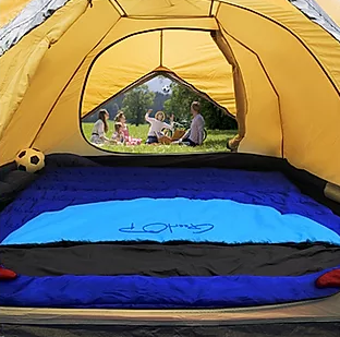 Take Your Family Size Sleeping Bag When Camp with Kid !