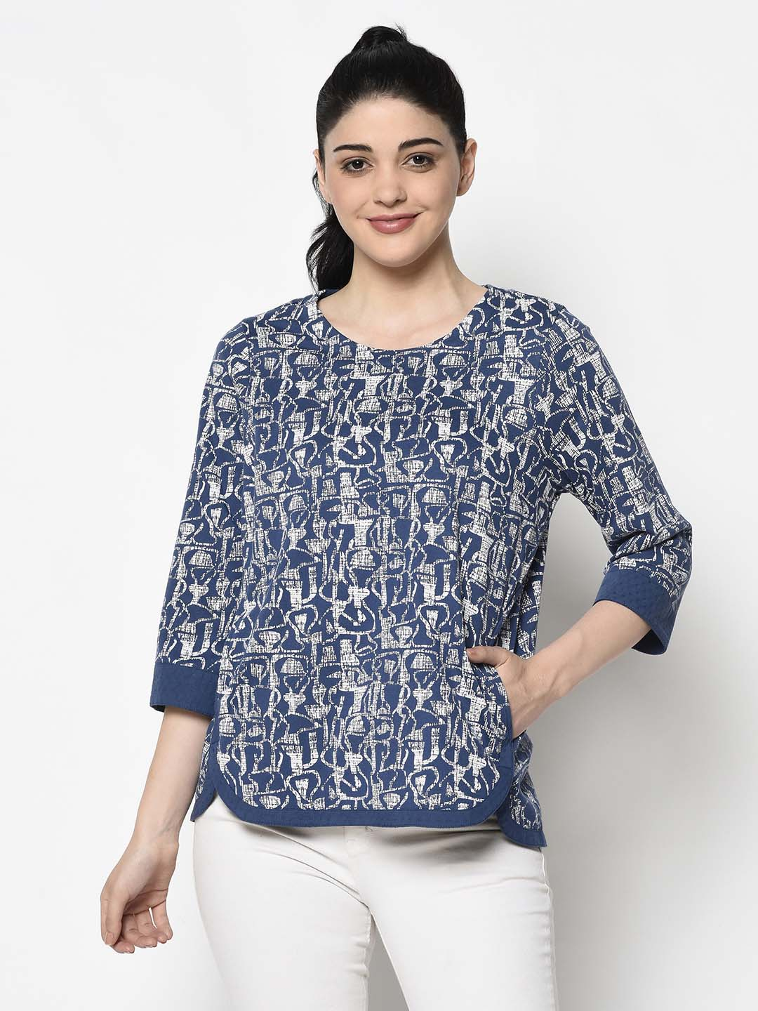 Blue Pattern Top With Broad Border - Avsoy