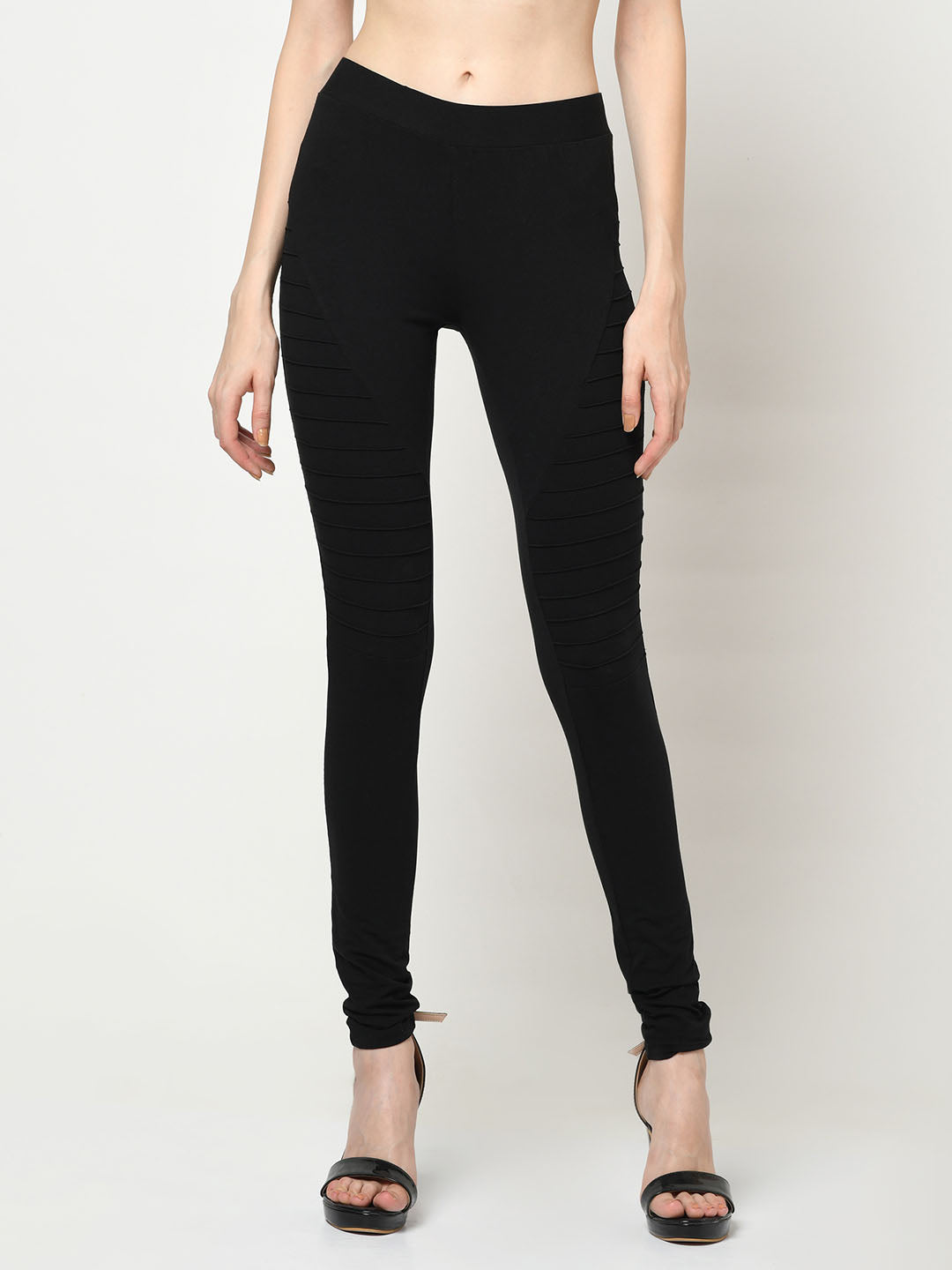 Black Jeggings With Lateral Ridges