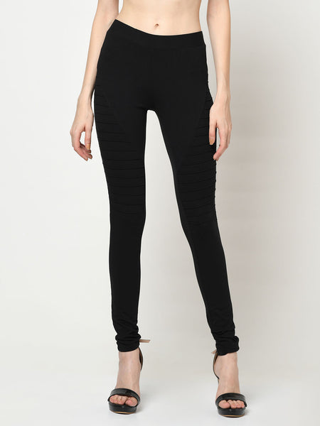 Black Leggings With Lateral Ridges