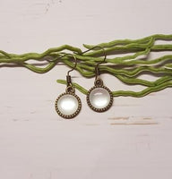 White Cabochon Earring -2